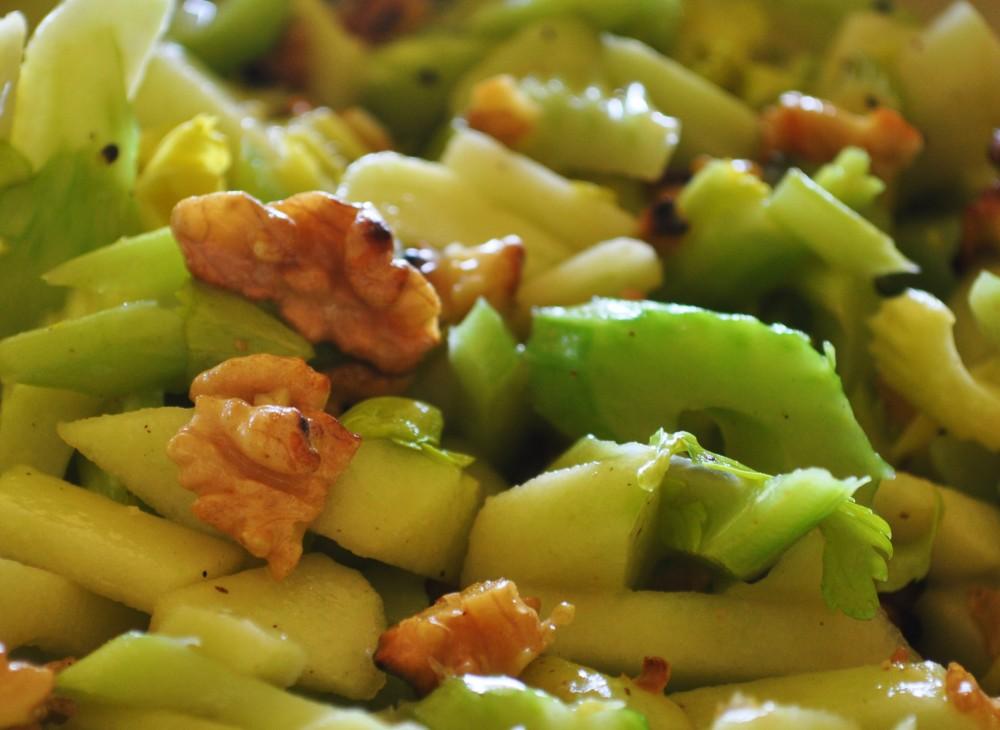 Celery Salad: easy, healthy & vegan (2/2)