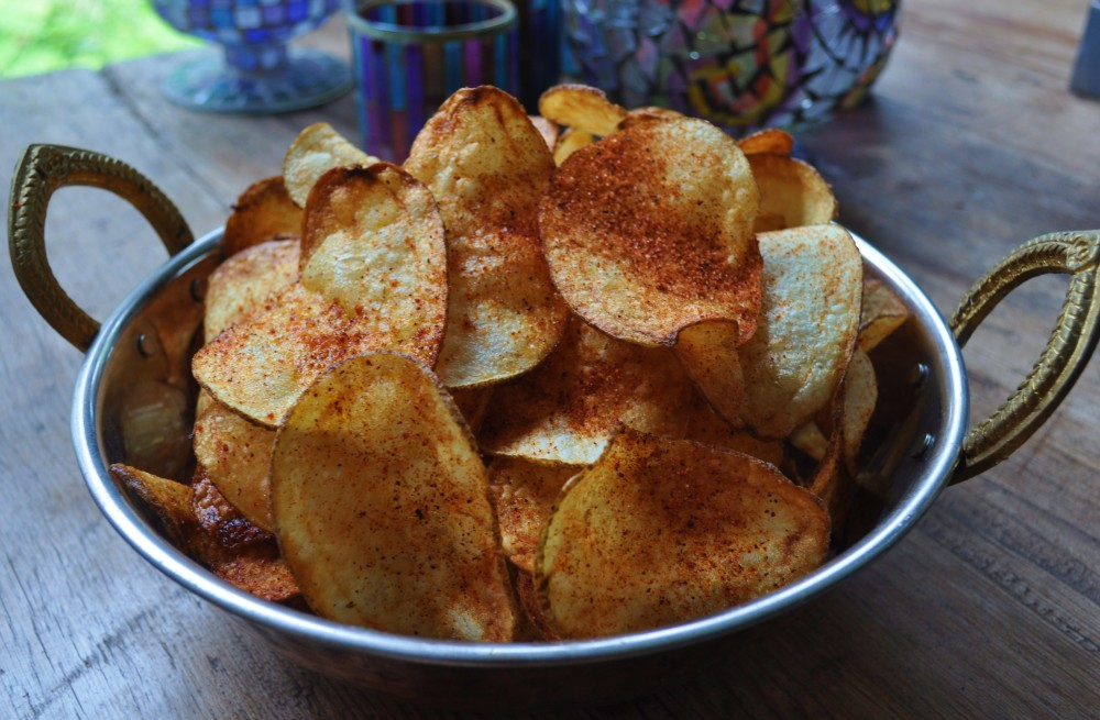 Making Perfect Potato Chips; Bet you can't eat just one! (1/6)