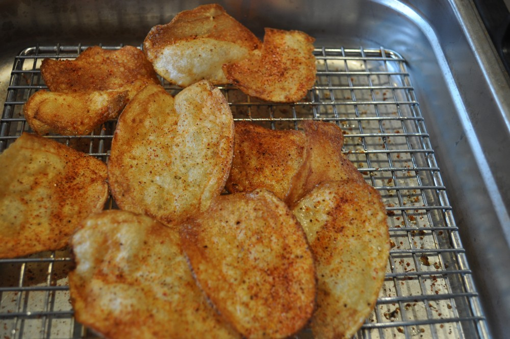Making Perfect Potato Chips; Bet you can't eat just one! (6/6)